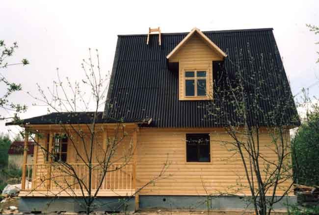 реконструкцию или ремонт загородного дома. придав ему красивый внешний